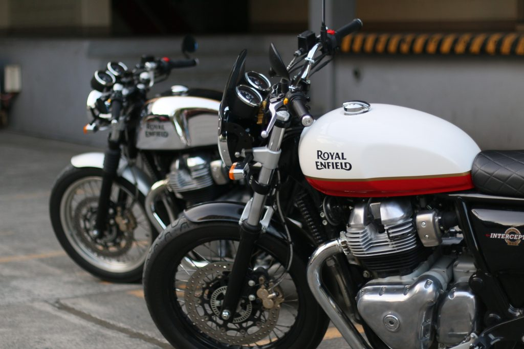 """Love and the Royal Enfield """"650 twins"""" - Wheels PH"""